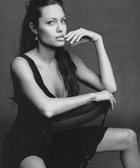 Jolie'nin şok pozları - 27